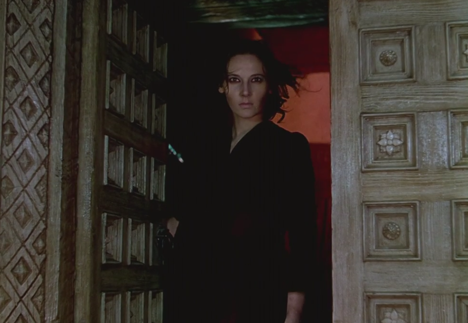 Black Narcissus (14)